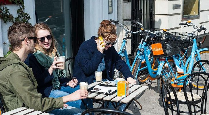 Blue Bike Fietsen Trakteert op Koffie in Heel Vlaanderen