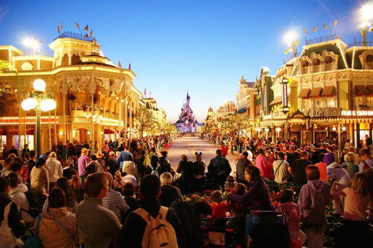 Gratis informatie investeren in hotelsuite bij Disneyland Parijs