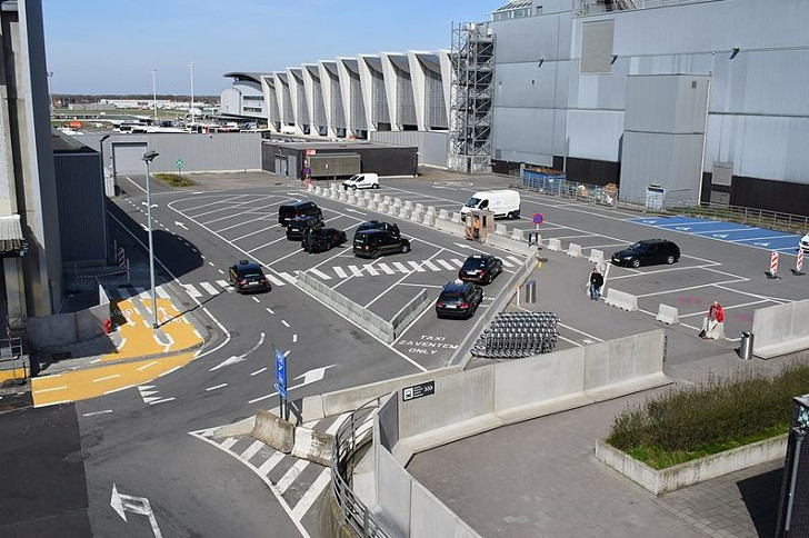 brussels airport gratis parking