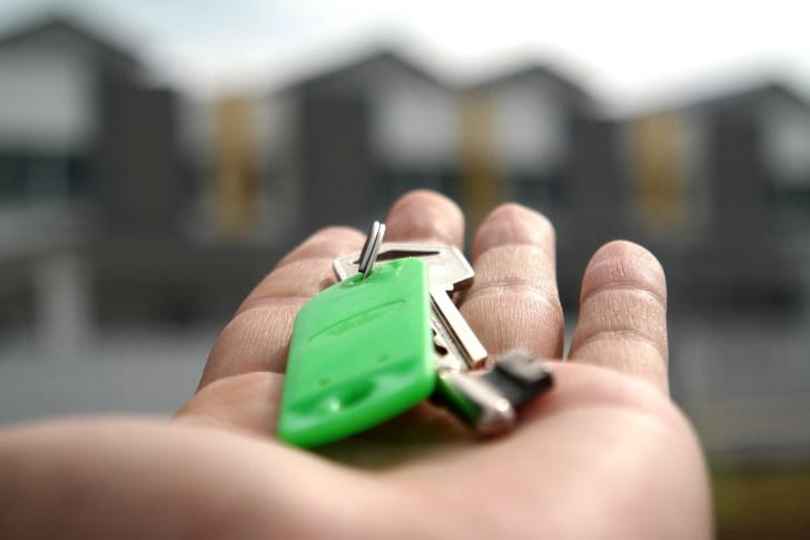 sleutel op de deur gids